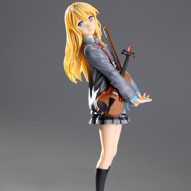 Kaori Miyazono with her violin